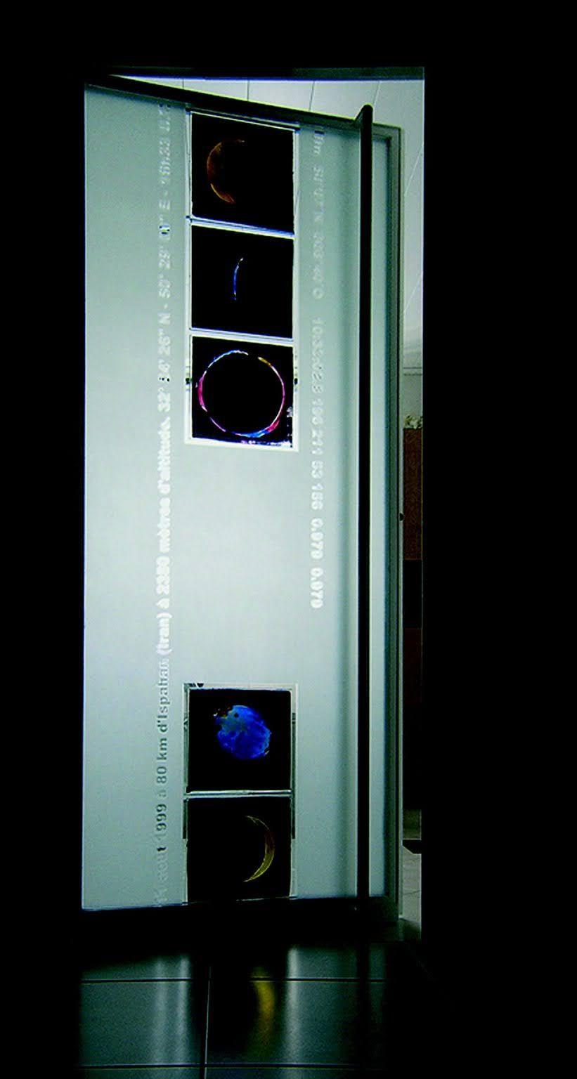 Mondfinsternis Glastür Nabo Gaß